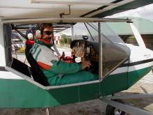 Avión de escuela con instructor de vuelo